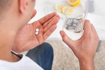 Антибиотики при боли в горле - какие и когда нужно принимать