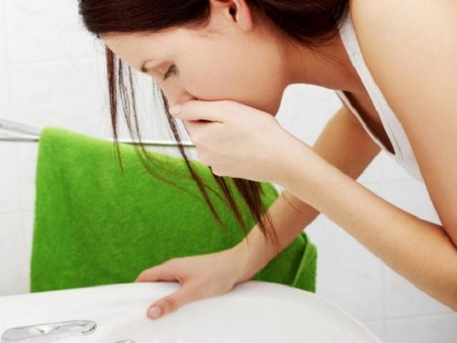 Почему из носа идет кровь по утрам – причины и лечение кровотечения