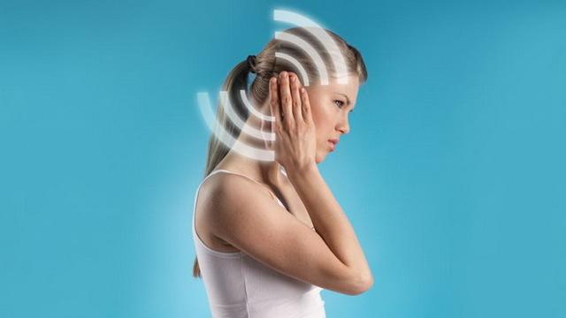 Пульсирующий шум в ушах – причины и лечение пульсации в правом и левом ухе