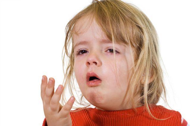 Кашель у ребенка 2 года – как вылечить детей с и без температурой