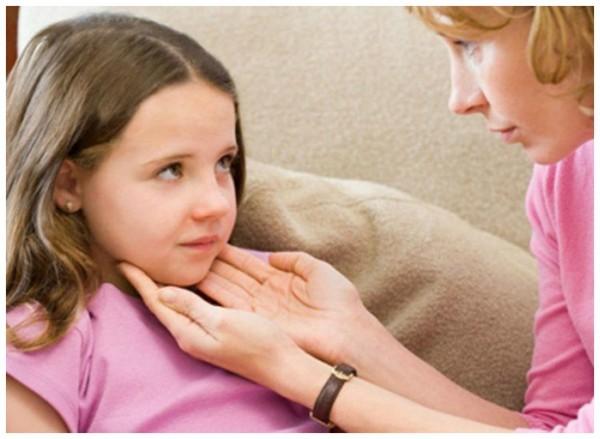 Что делать, если у ребенка воспалился лимфоузел за ухом - причины и лечение