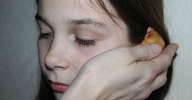 Лечение уха луком – как он спасает от болей и инструкция по применению