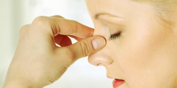 Точечный массаж носа при гайморите - как его правильно делать