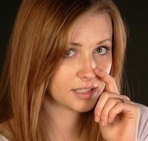 Как увлажнить слизистую носа и чем это лучше всего сделать