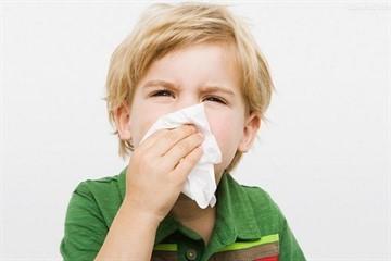 Детские капли в нос от насморка – лучшие средства для детей