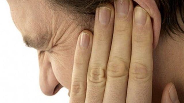 Осложнение на уши после простуды (не слышит, оглохло или болит) — лечение