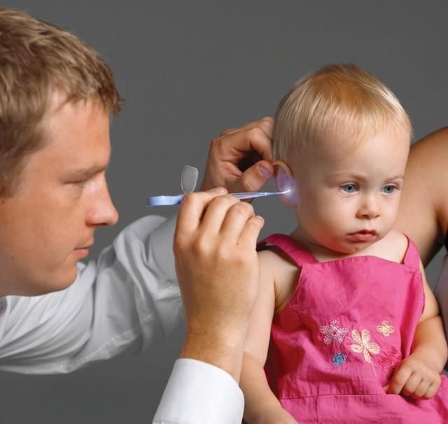 Признаки и симптомы отита у детей – как определить воспаление уха у ребенка