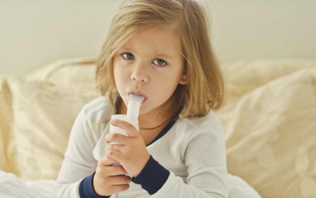 Как снять приступ кашля у ребенка – помочь и остановить в домашних условиях