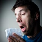Что делать, если течет из носа и чихание – как лечить насморк