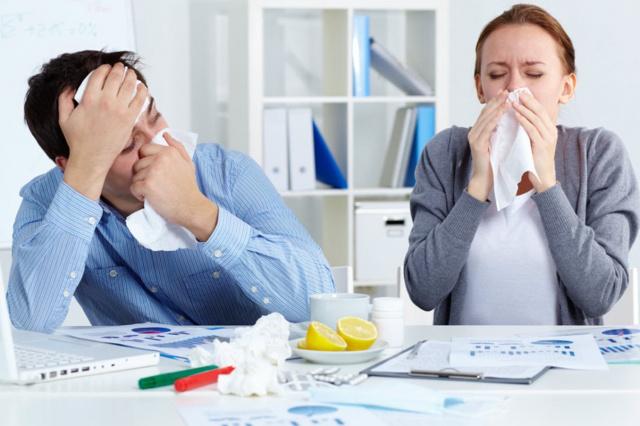 cильный насморк и заложенность носа - чем лечить как вылечить взрослого