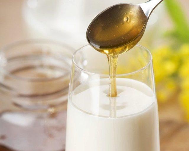 Молоко с медом от боли в горле – рецепт приготовления