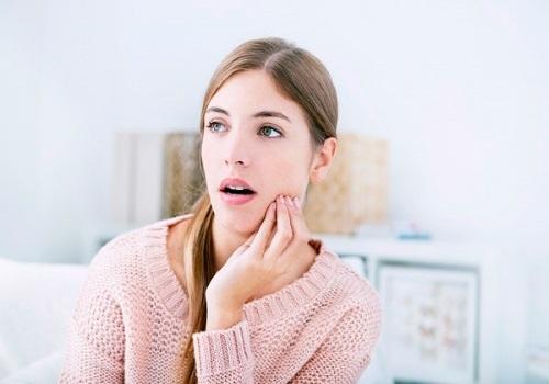 Треск в ушах – причины и лечение скрипа и потрескивания в левом и правом ухе