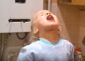 Чем и как полоскать горло при боли - средства и растворы