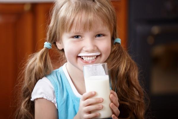 Молоко с содой от кашля –- как принимать и рецепт с пропорциями