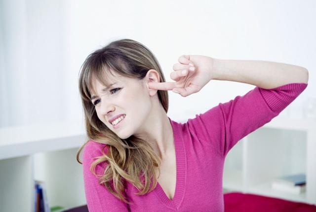 Почему шелушатся уши - причины и лечение шелушения ушных раковин внутри