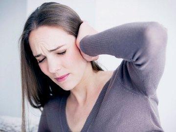 Почему краснеет и горит левое или правое ухо – причины жара