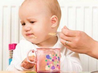 Как лечить горло грудному ребенку до 1 года и снять боль новорожденному