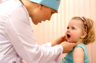 Осложнения после удаления аденоидов у детей - ребенок храпит, температура и последствия