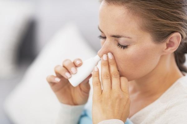 Чем лечить заложенность носа при беременности - безопасные средства и спреи