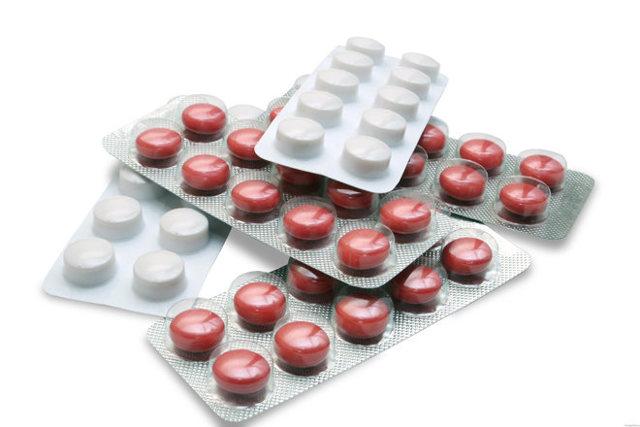 Чем лечить аллергический насморк и ринит - лучшие спреи, средства и лекарства