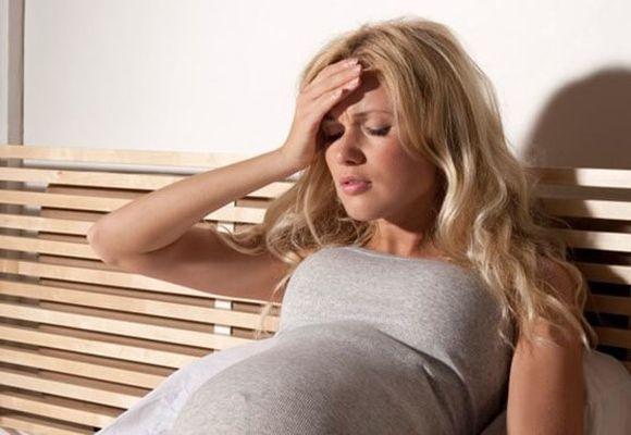 Чем лечить гнойные зеленые сопли при беременности