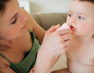 Что делать если у грудничка или младенца заложен нос – как лечить ребенка