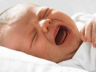 Как чистить нос грудничку - убираем сопли у младенца при насморке