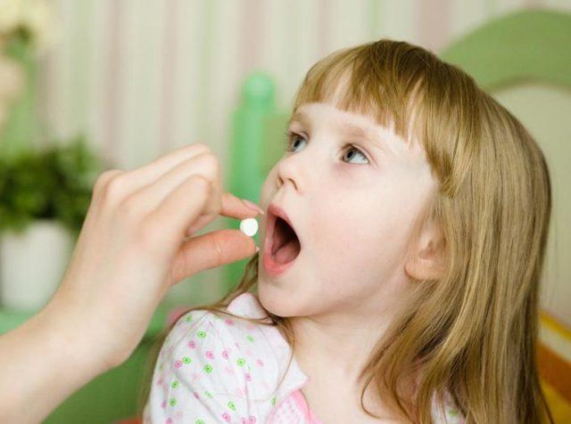 Влажный и мокрый кашель и температура 37-38 у ребенка
