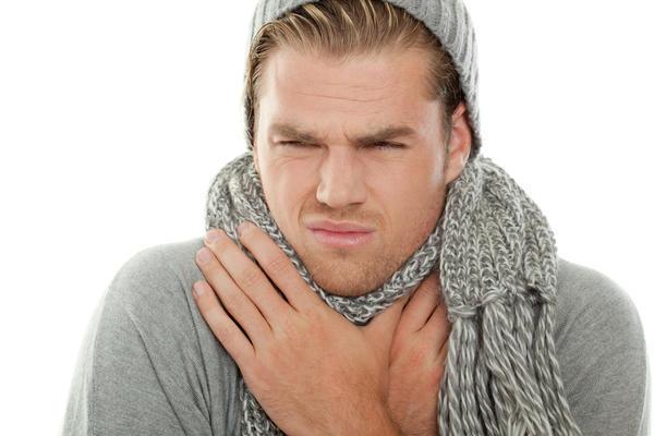 Почему по утрам болит горло, а потом проходит – причины боли