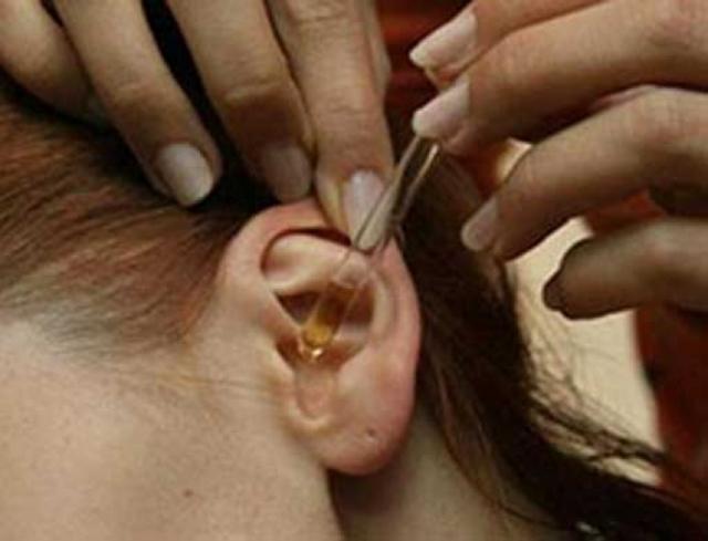 Как лечить уши прополисом - применение настойки для закапывания