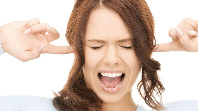 Застудил ухо - симптомы простуды и возможные боли