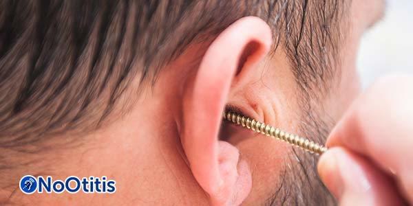Кровь из уха при отите – причины и лечение