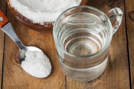 Как самостоятельно промыть миндалины в домашних условиях – санация гланд
