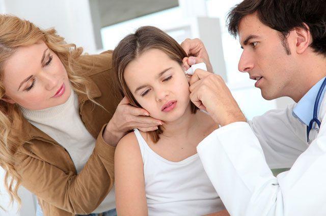 Что делать, если заложило ухо при простуде – лечение болезни