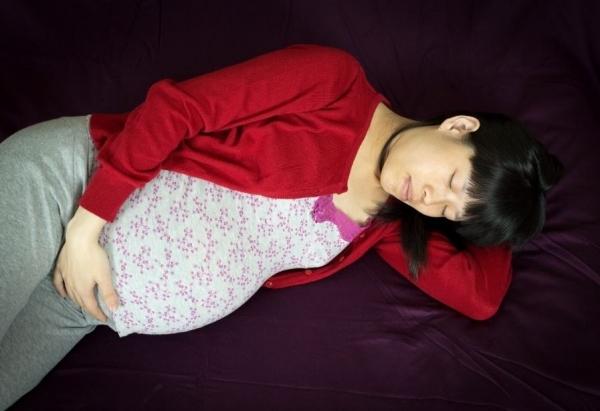 Кровь из носа при беременности на ранних и поздних сроках