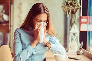 Что делать при сухости в горле - причины и лечение