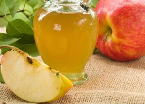 Полоскание горла яблочным уксусом – как можно это делать