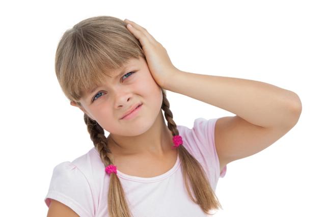 Что закапать в ухо при болях у взрослого и ребенка
