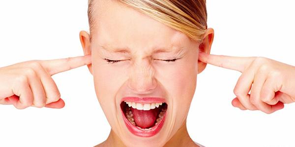 Шум в ушах: причины появления и способы устранения