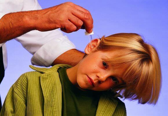 Ушные капли при отите и воспалении уха у взрослых