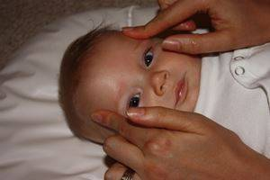 Чем лечить вязкие и густые сопли у ребенка