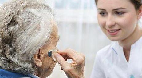 Как выбрать слуховой аппарат и его подбор без врача