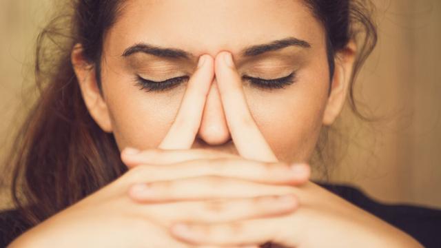 Как выпрямить и исправить кривой нос без операции