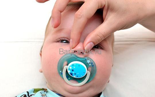 Заложен нос у грудничка – причины затрудненного дыхания у младенца