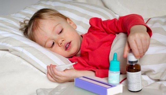 Лечение хронического ларингита у взрослых препаратами и народными средствами