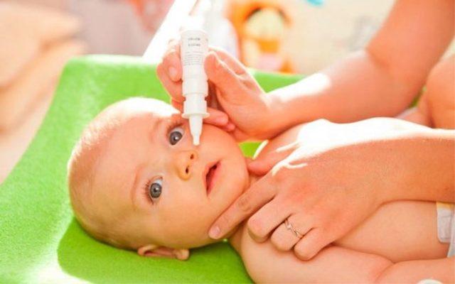 Зеленые сопли у грудничка – чем лечить месячного ребенка