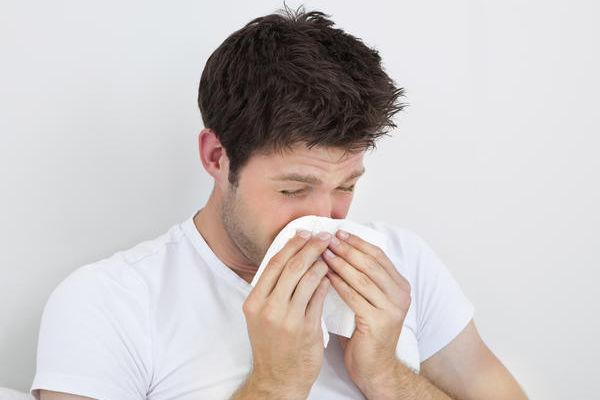 Оранжевые сопли из носа и из ноздри у взрослого