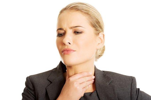 Симптомы рака горла у женщин - признаки заражения гортани