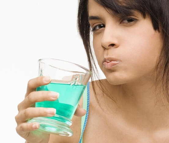 Чем лечить воспаленные гланды и миндалины у взрослого
