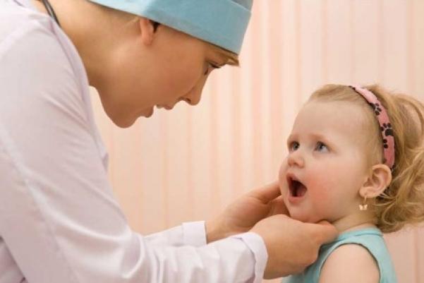 Частая ангина у ребенка – почему он постоянно болеет